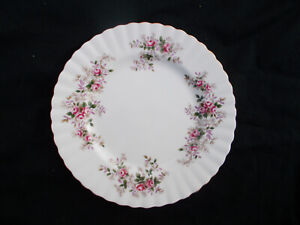 Royal-Albert-LAVENDER-ROSE-Dessert-plate-Diameter-8-inches-or-20-5-cms
