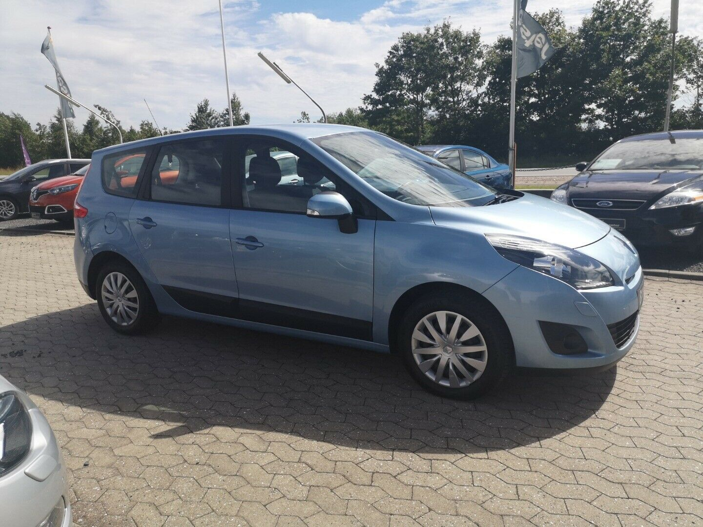 Renault Grand Scenic III 1,4 TCe 130 Expression 7prs 5d - 74.800 kr.