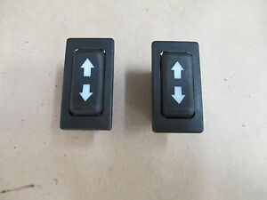 ferrari 308 mondial 365 window switch pair 30073407 a 114633. Black Bedroom Furniture Sets. Home Design Ideas