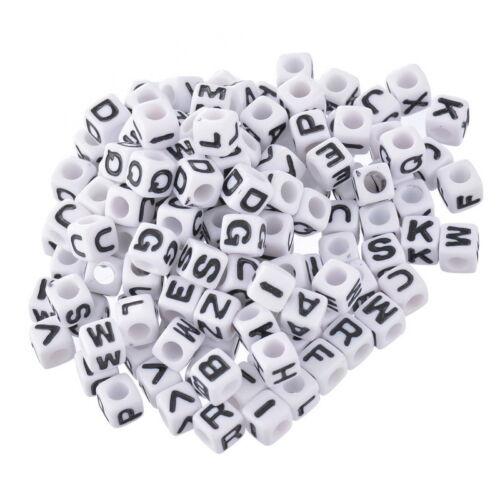 """300 Weiß Buchstaben /""""A-Z/"""" Acryl Würfel Beads Perlen Spacer 7x7mm"""
