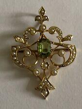 Fine Victorian Art Nouveau 15ct Gold Peridot & Seed Pearl Pendant Brooch