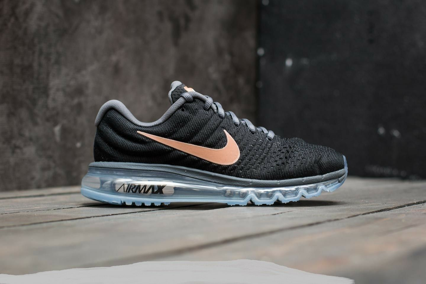 NIKE AIR MAX 2017 849560 008 Black Metallic Red Bronze Wmn Sz 10