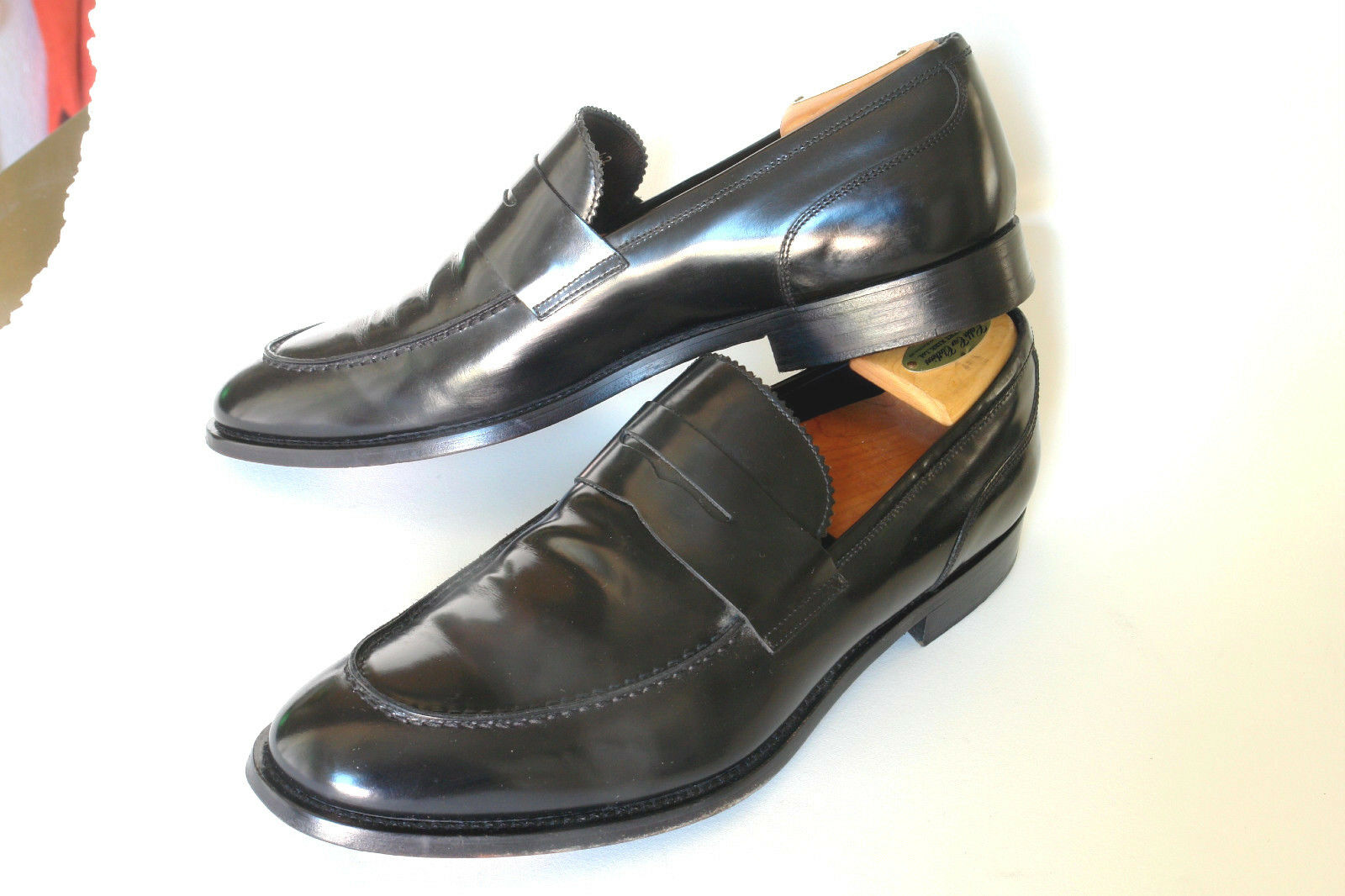 KURT GEIGER  ITALY  1 2 STRAP PENNY LOAFER IN BLACK  42  OUTSTANDING
