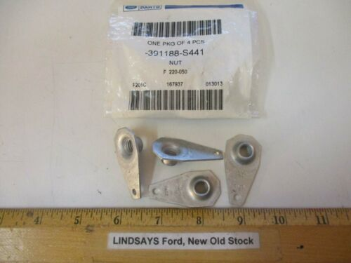 """4 NEW PCS FORD 2003//2011 CROWN VICTORIA /""""NUT ASY./"""" EXHAUST FLANGE 391188-S441"""