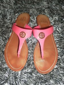 26160f11800 Image is loading Tory-Burch-Cameron-Bougainville-Pink-Patent-Leather-Flip-