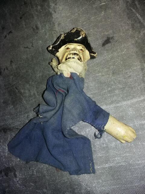 Marionnette théâtre guignol - GENDARME - carton bouilli + 1 main +robe d'origine