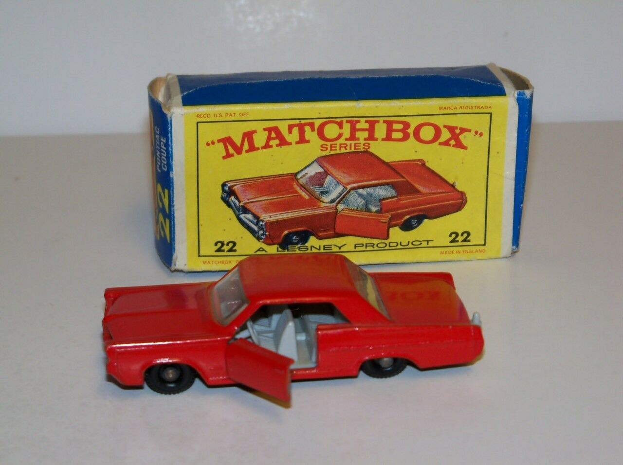 Matchbox   22 - coupé (mib) super sauber (rot) türen offen
