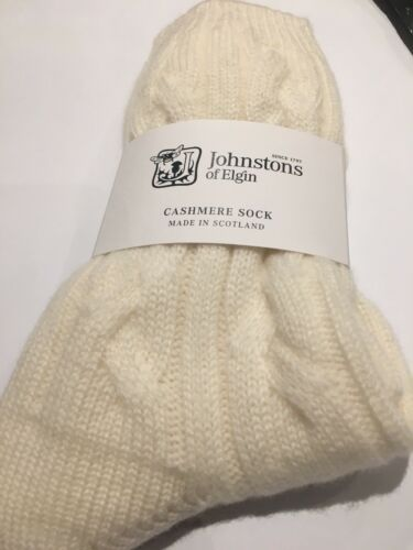 Johnstons of Elgin Check Cable Bed Socks Pure cashmere White RRP £59