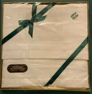TWO-FINGAL-Hemstitch-Irish-Linen-Guest-Towels-14-034-x-20-034-NEW-Sealed-in-Package