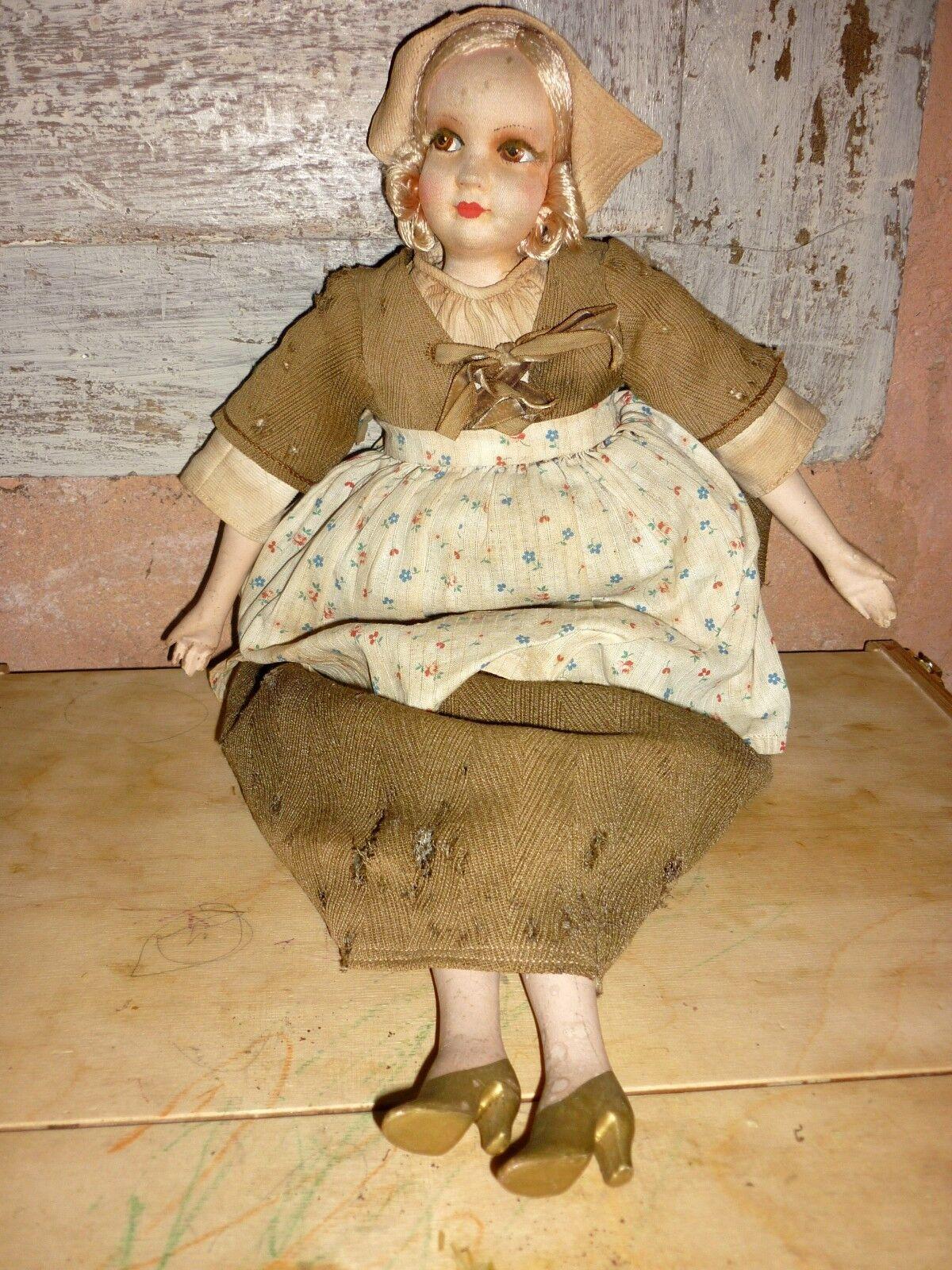 Ancienne poupée de salon boudoir des années 20 30 feutre  doll 48 cm
