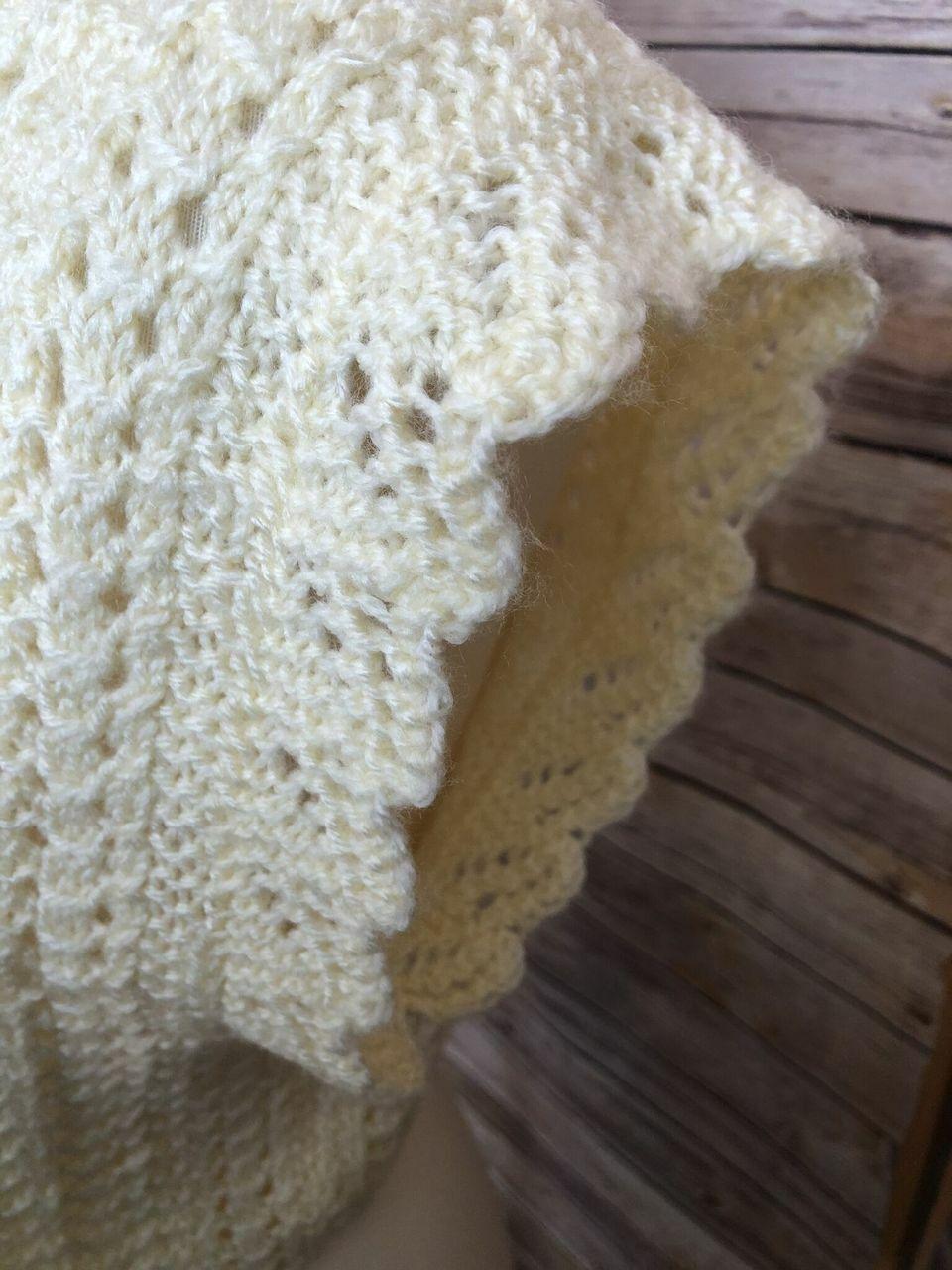 Vintage Womens Short Sleeve Hand Knit Sweater Cro… - image 3