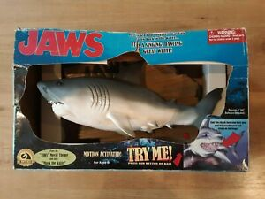 Jaws-Singing-Movie-Theme-And-Mack-The-Knife-Wall-Mount-Shark-Billy-Big-Bass