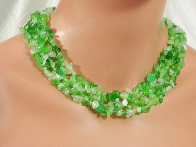 Super Showy Vintage 1980 Opalescent Green Stone Necklace    819jl