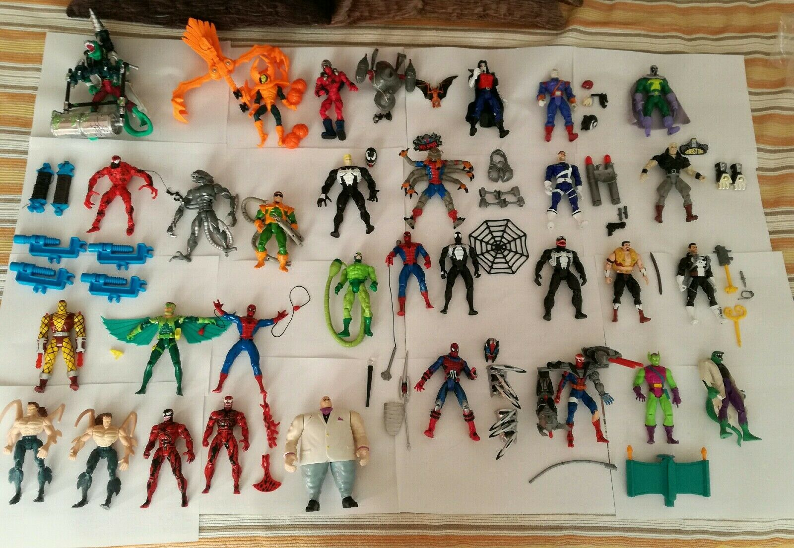 Spider Man Animated lotto di 31 action figures (99% complete) Toy Biz Marvel