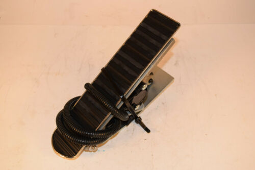 MCI Electronic Accelerator Pedal Assembly 1900 Bus 4L-15-119 359594B Prevost
