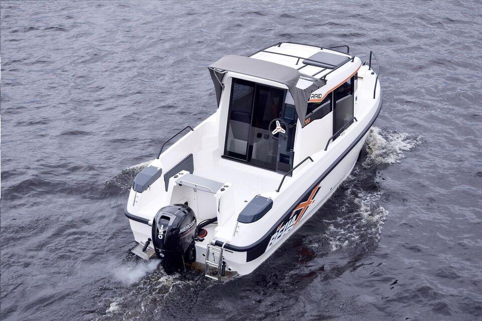 Bella, Kabinebåd, fod 6