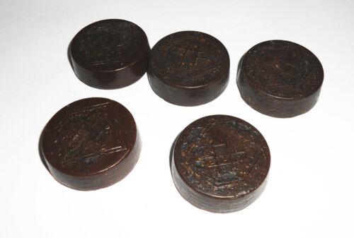 5 Tabletten Koppelwachs Lederwachs Lederpflege 1940/50 Lagerware dunkelbraun !