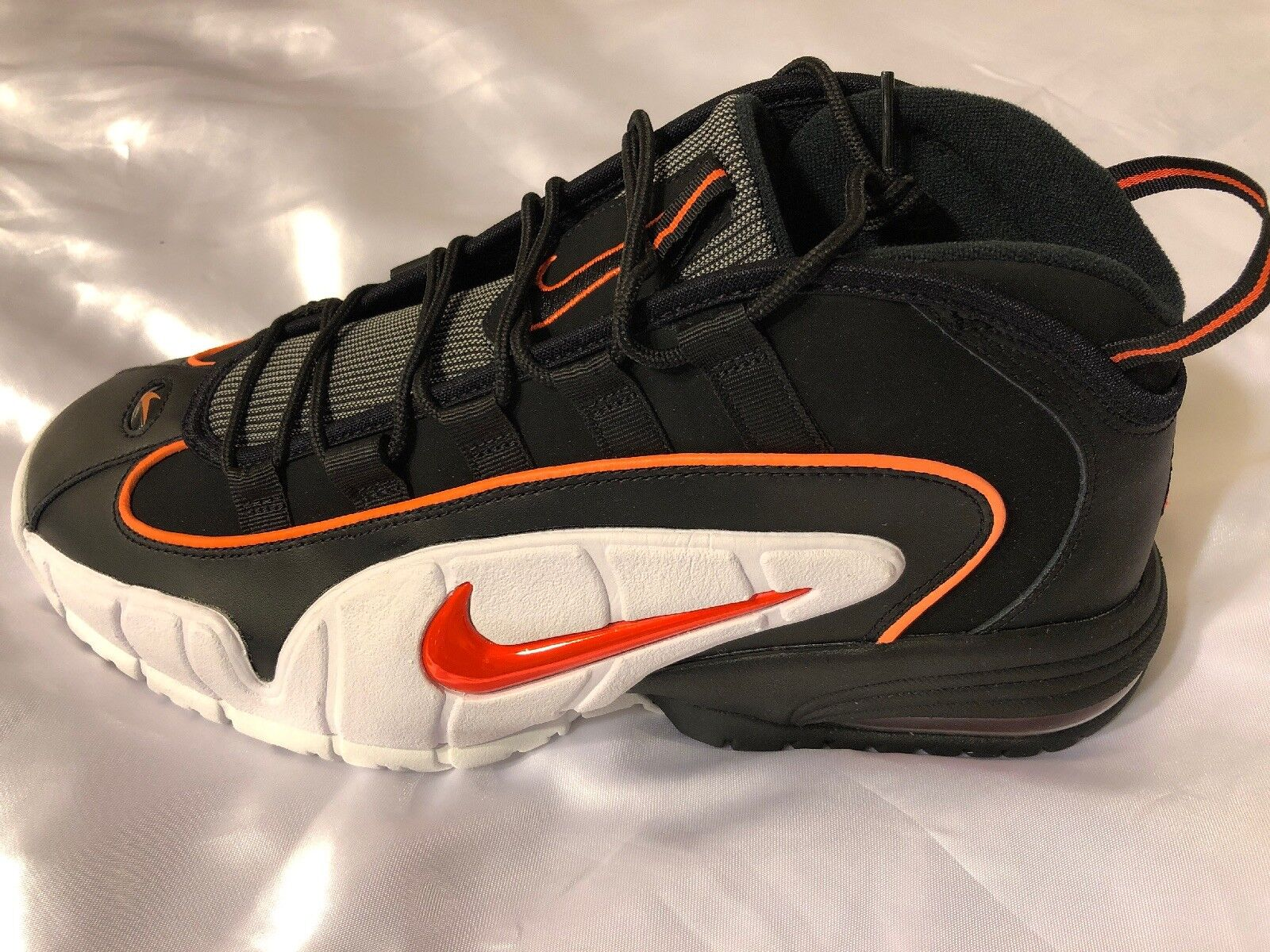 2018 Nike Air Max PENNY Team Red Metallic gold 685153-601 Size 11.5