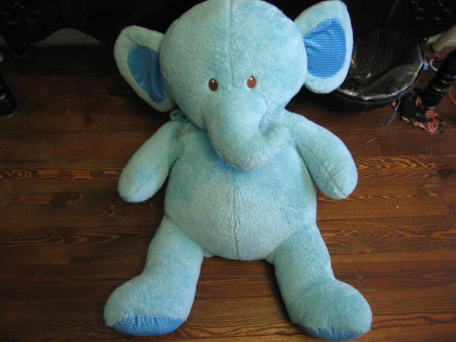 32  plush blu Elephant doll, good condition