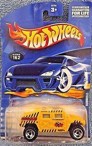 HOT WHEELS 2001 HUMMER #162 YELLOW