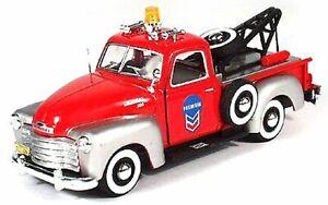 Chevrolet-C3100-Pickup-Tow-Truck-rot-Cararama-Auto-Modell-1-43
