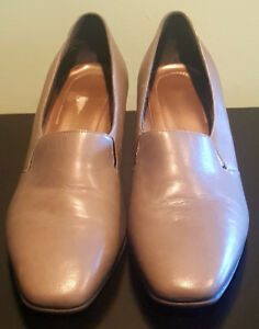 Pre-Owned-Women-s-Grey-Naturalizer-Flex-Dress-Shoes-8W