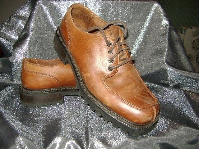 GBX  BROWN LEATHER OXFORDS 10.5 M