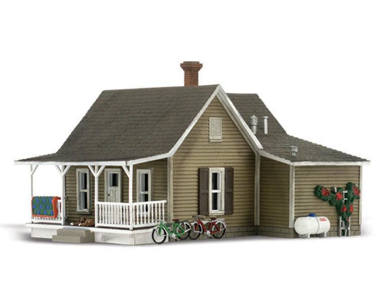 WOODLAND SCENICS WS-BR5027 HO GRANNY'S HOUSE (LIT)