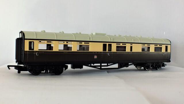 *NEW* Hornby RailRoad R4525 GWR Collett restaurant coach 9578 with GWR styling