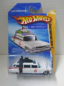 Hot-Wheels-2010-New-Models-25-of-44-Ghostbusters-Ecto-1-Brand-NEW