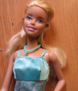 Barbie-doll-Blonde-hair-mini-blue-summer-dress-pink-shoes