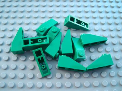 New LEGO Lot of 12 Green 3x1 Roof Slopes