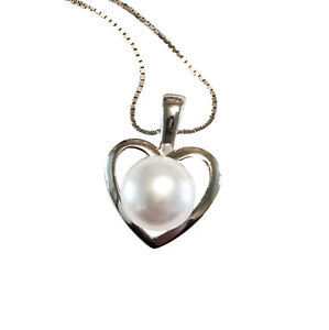 Silver-and-pearl-heart-pendant