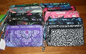 NWT-Vera-Bradley-FRONT-ZIP-WRISTLET-wallet-holds-iPhone-6-iPhone-8-w-case