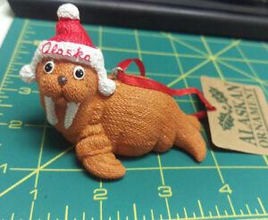 Cute-Knitted-Walrus-with-Alaska-Hat-polystone-ornament-knit-pattern-texture