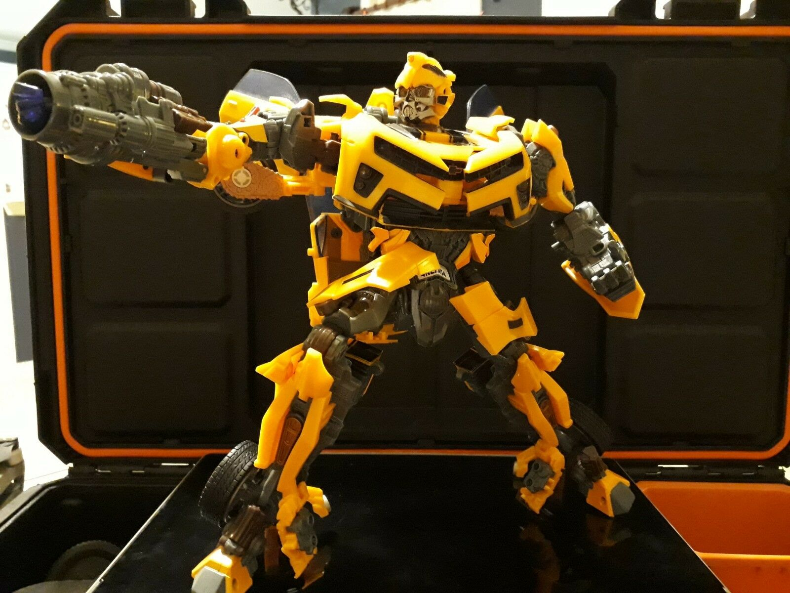 Transformers movie Bumblebee revenge to the fallen
