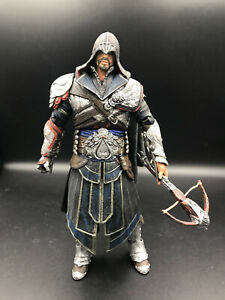 ASSASSIN'S CREED - EZIO AUDITORE ONYX Assassin HOODED Action Figure NECA TOYS