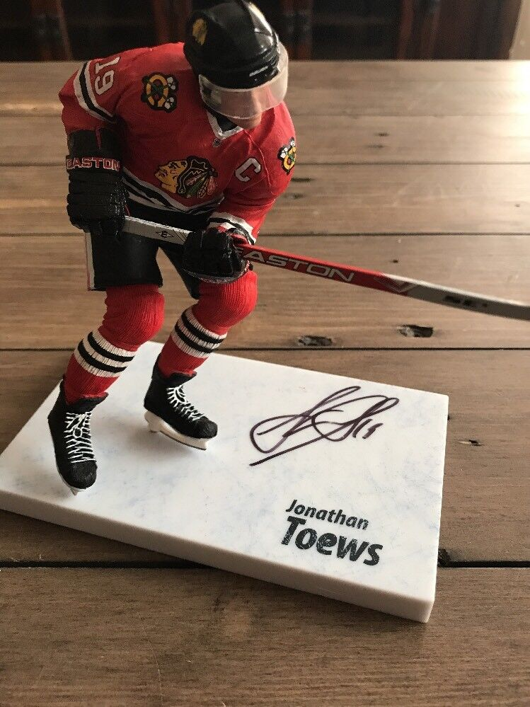 JSA Signed Jonathan Toews Mcfarlane  NHL  Series 24 Chase Figure  1000
