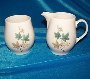 Syracuse-Carefree-Woodbine-Creamer-and-Sugar-Mid-Century-Modern-China-Leaf