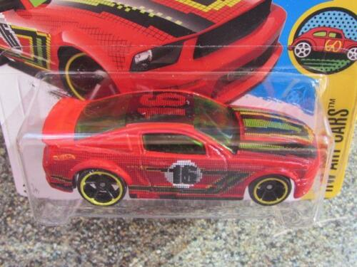 Hot Wheels 2016 #198//250 2007 FORD MUSTANG red HW Art Cars Case L