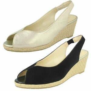 Ladies-Van-Dal-Leather-Wedge-Sandal-With-Woven-Detail-Avalon