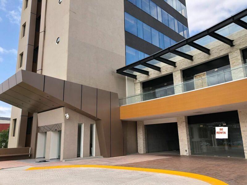 Local en Plaza Alpha Icono Médico ubicacion estrategica giro Salud Fitness