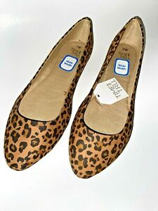 NWT Women Shoes Time and Tru Point Ballet Flat Animal Print in Wide Width