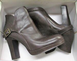 d6e15d43c4f5 Details about Woman US Size 10 Noir Deep Brown Simply Vera Wang Shoes w   heels