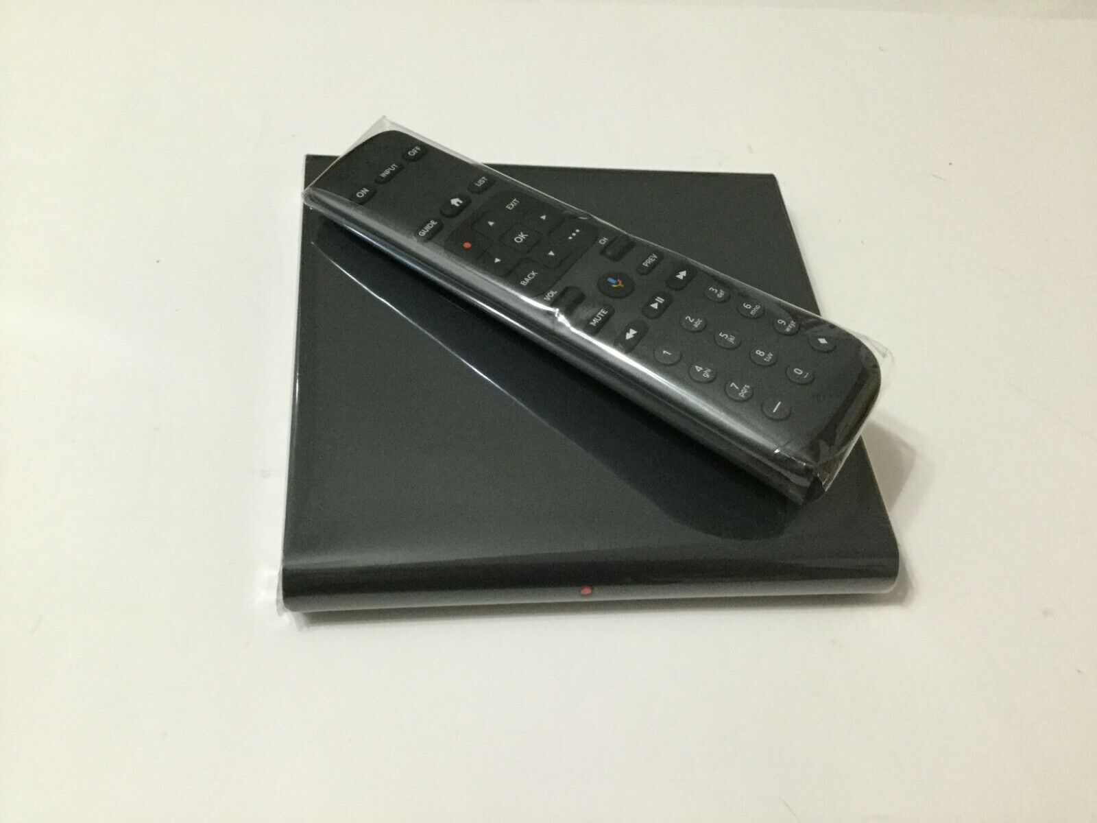 NEW AT&T DirectTV Streaming Player Osprey Android Beta Box + Remote (C71KW-200) android beta box directtv new osprey player remote streaming