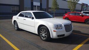 2010 Chrysler 300 awd touring