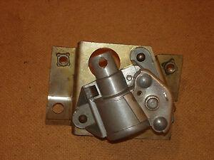 Ausstell-fenster-mechanismus-Seitenscheibe-rechts-BMW-E9-3-0-CSI-CSL-CS-2800-2-5