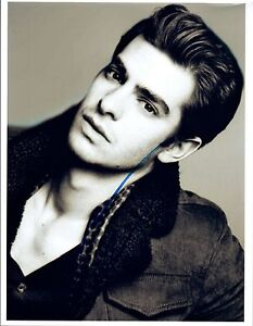 Andrew-Garfield-Signed-Autographed-8x10-Photo-The-Amazing-Spiderman-COA-VD