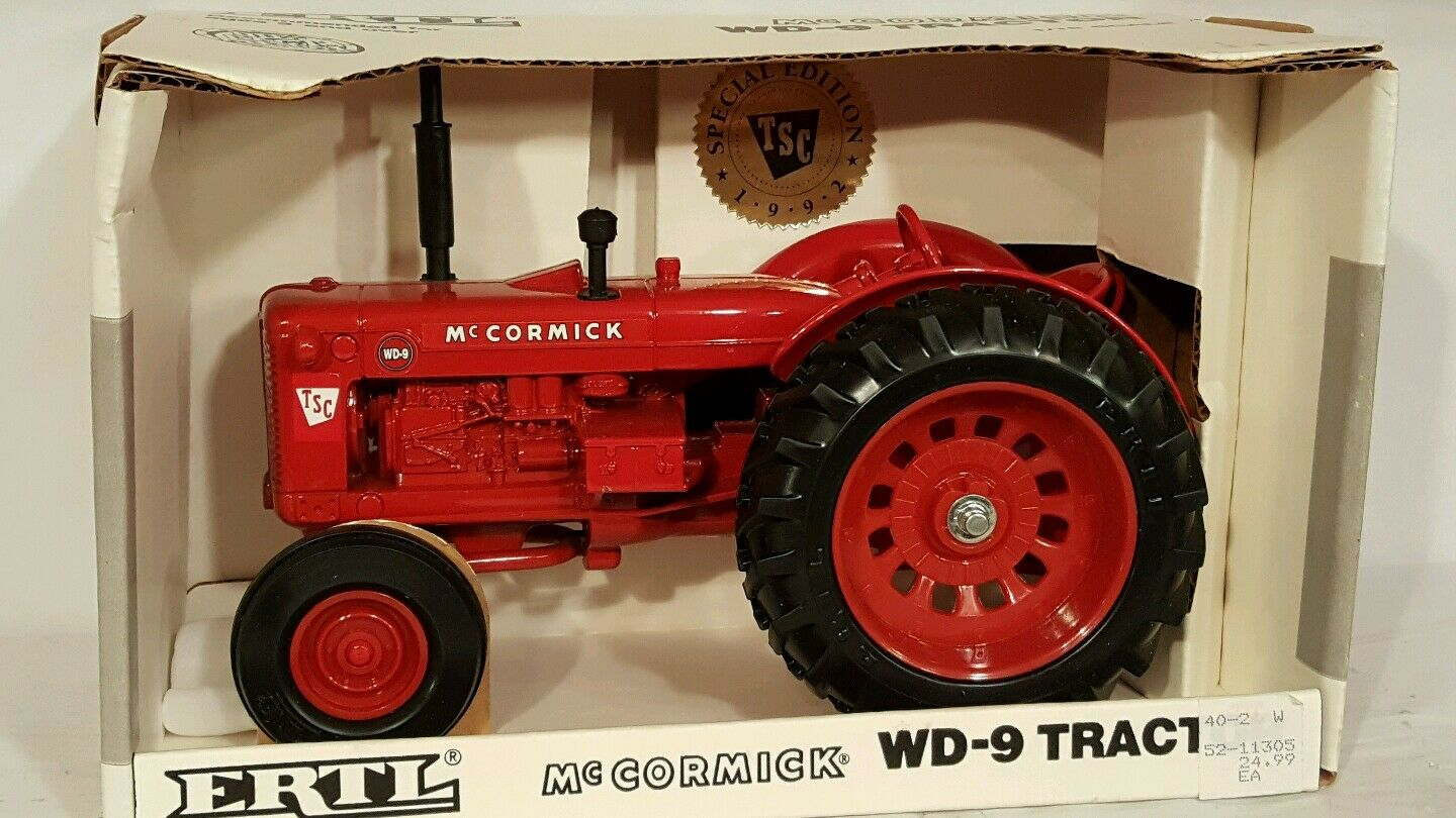 Ertl McCormick WD - 9 1   16 closed Agricultural tractor Collection