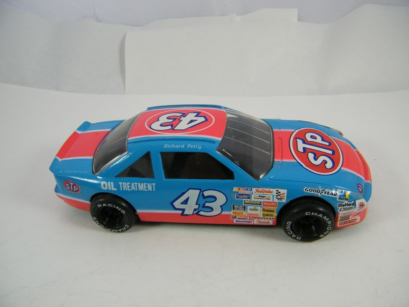 RICHARD PETTY    STP RACING  TRANSPORTERS AND CARS 00c82a